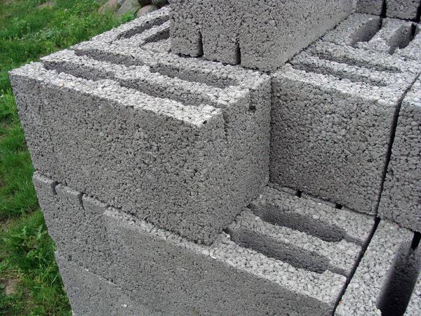 Пенобетонные строительные блоки с отверстиями