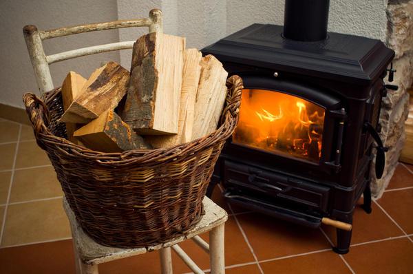 Подставку для дров можно попытаться сделать своими руками