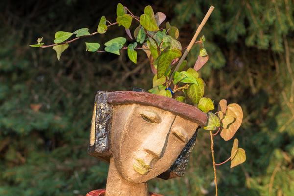 Садовая скульптура-кашпо