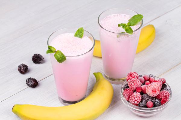 Смузи с замороженными ягодами