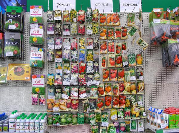 Семена на полках магазина