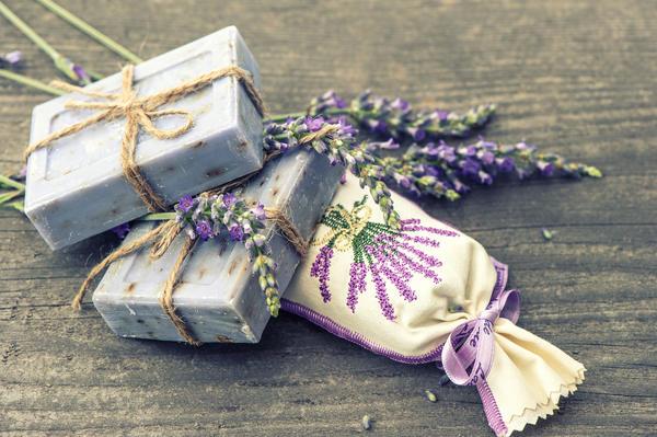 Мыло ручной работы из натуральных ингредиентов или ароматические подушечки с лавандой - душевно и симпатично