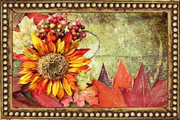Декоративные панно обычно делают в виде картин, склеенных их различных материалов
