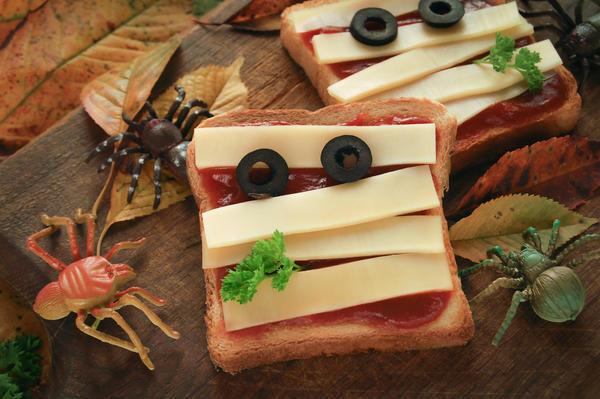 Тосты сыром и кетчупом
