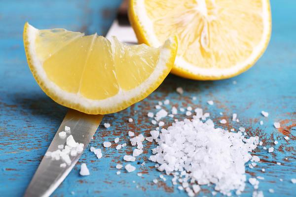 Лимонно-солевой очиститель лезвий ножей