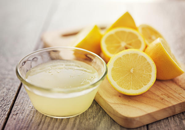 Жидкое чистящее средство с лимоном и уксусом