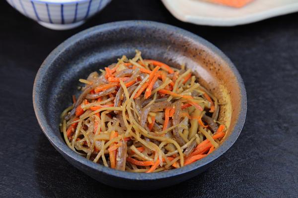 Рагу из корня лопуха с овощами