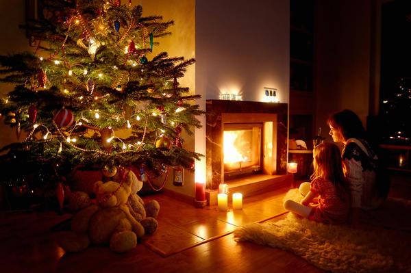 Новогодние праздники с теплом камина