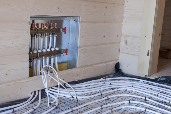 Установка системы теплого пола в деревянном доме