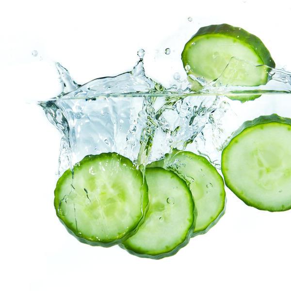 Огуречная вода и огуречный лосьон - популярные средства для кожи