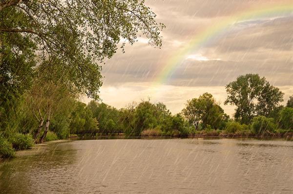 Верхние водоносные горизонты пополняются за счёт инфильтрации атмосферных осадков, вод рек, озёр, болот.