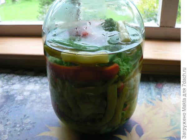 рассолом залили овощи