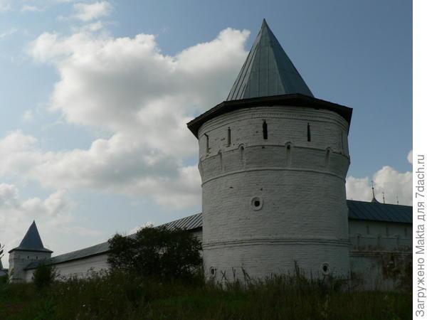 угловая юго-восточная башня