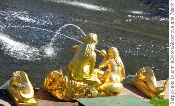 Один из фонтанов Большого каскада