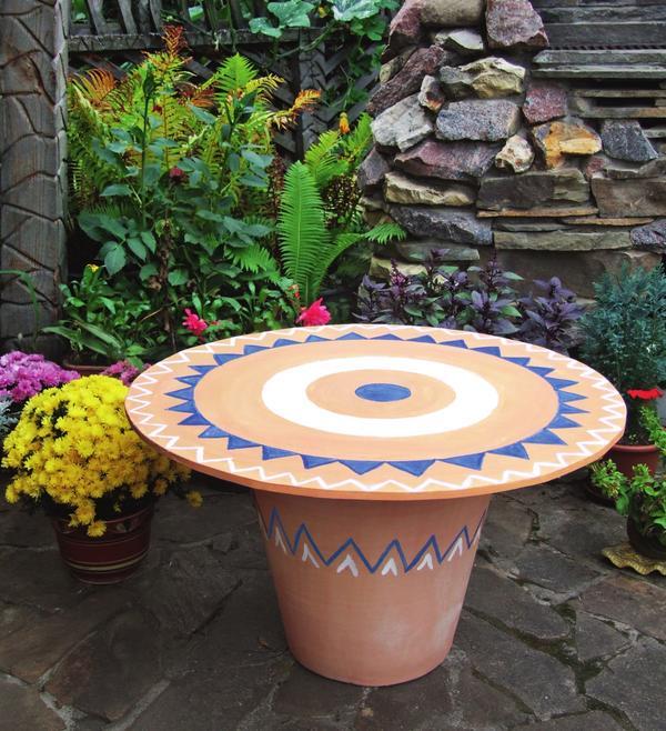 Садовый столик в средиземноморском стиле: оригинально и очень удобно