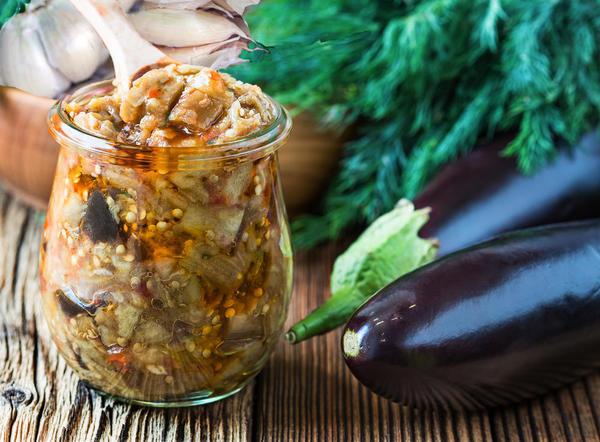 Баклажаны любят за неповторимый вкус и за полезные свойства