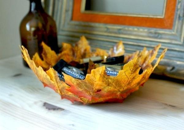 Блюдо из листьев. Фото: www.crafthubs.com