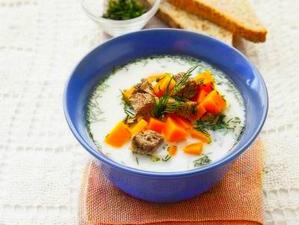 Молочный суп с мясом и тыквой