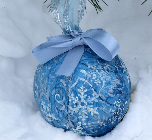 Пример фантазийной упаковки из старого мяча