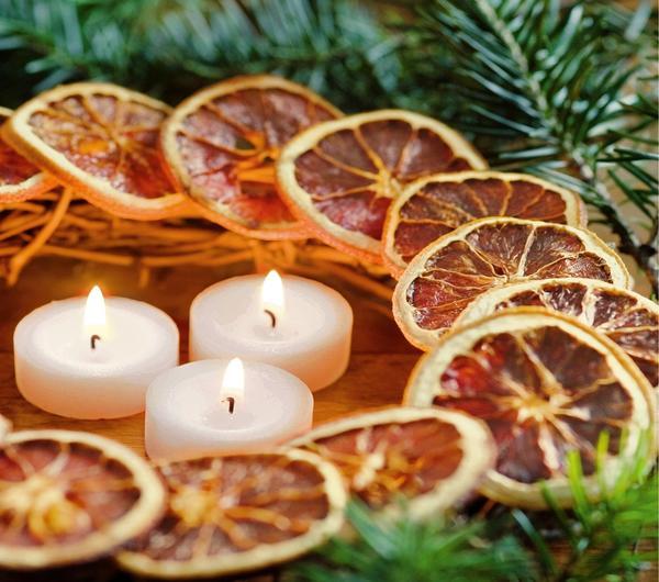 Венок с сушеными кружочками апельсина
