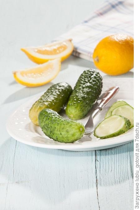 Огурцы в лимонном соке