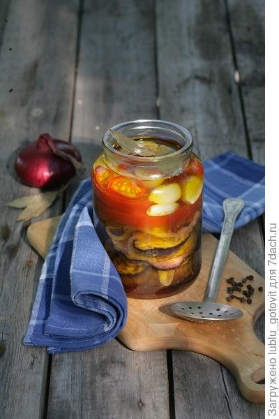 Баклажаны с помидорами в масле
