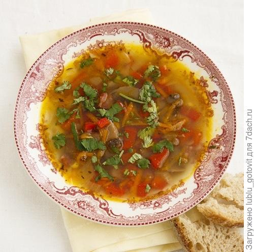 Суп с грибами и копченостями