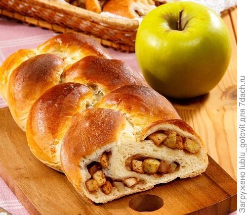 Пирог-косичка с яблоками  Фото: Олег Кулагин/BurdaMedia