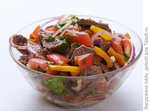Салат с мясом и овощами Фото: Дмитрий Позднухов/BurdaMedia