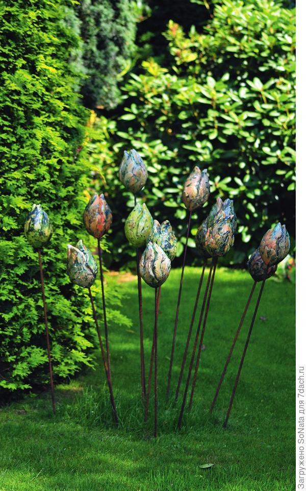 Нежные тюльпаны могут быть сделаны и из глины.
