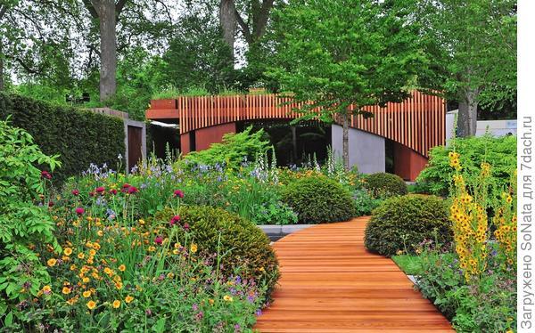 Единство материалов позволит связать воедино разные зоны садовой территории.