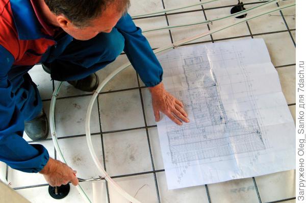 Укладка петель трубопровода выполняется строго по проекту Фото:Uponor