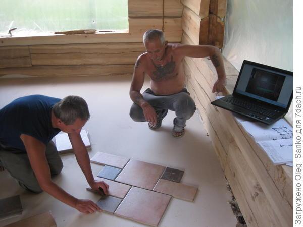 Укладка напольглшл плерытия в деревянном доме