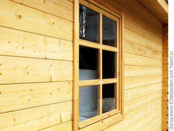 Стена с окном дома, произведенного в EliteGarden