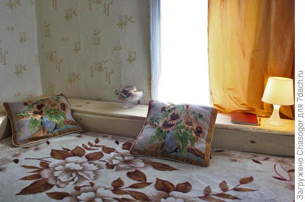 спальный уголок из досок