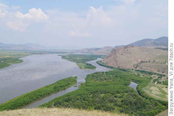 Вид на реку с середины подъема