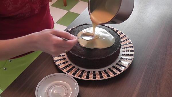 Покрыть пирог ганашем