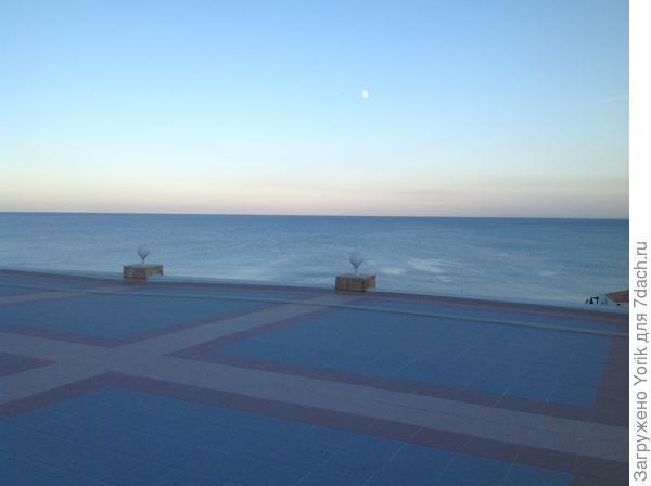 Вид на вечернее море