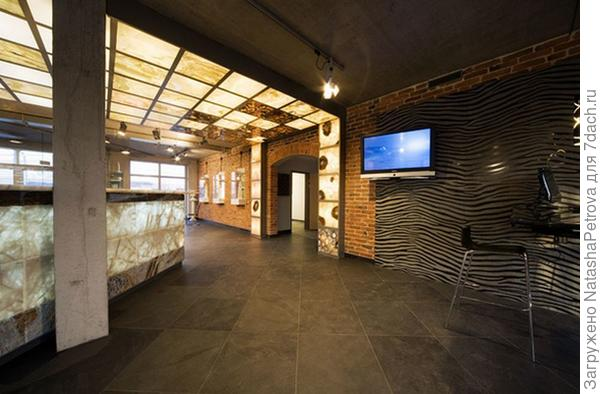 Светопрозрачные конструкции на потолке и стенах. Офис камнеобрабатывающей компании Ненси. Фото с сайта http://nensy.ru/