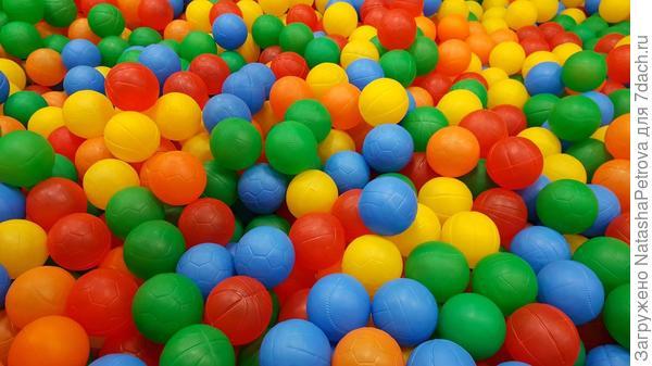 1000 разноцветных шариков