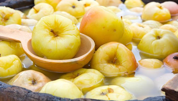 Моченые яблоки: 20 оригинальных рецептов