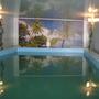 Размер бассейна — 3 м в ширину на 5 м в длину, глубина чаши — 1,75 метра. Уровень воды — 1,55 метра.