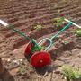 Техника на даче - ручной картофелеокучиватель