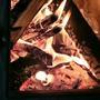 Пламя завораживает.