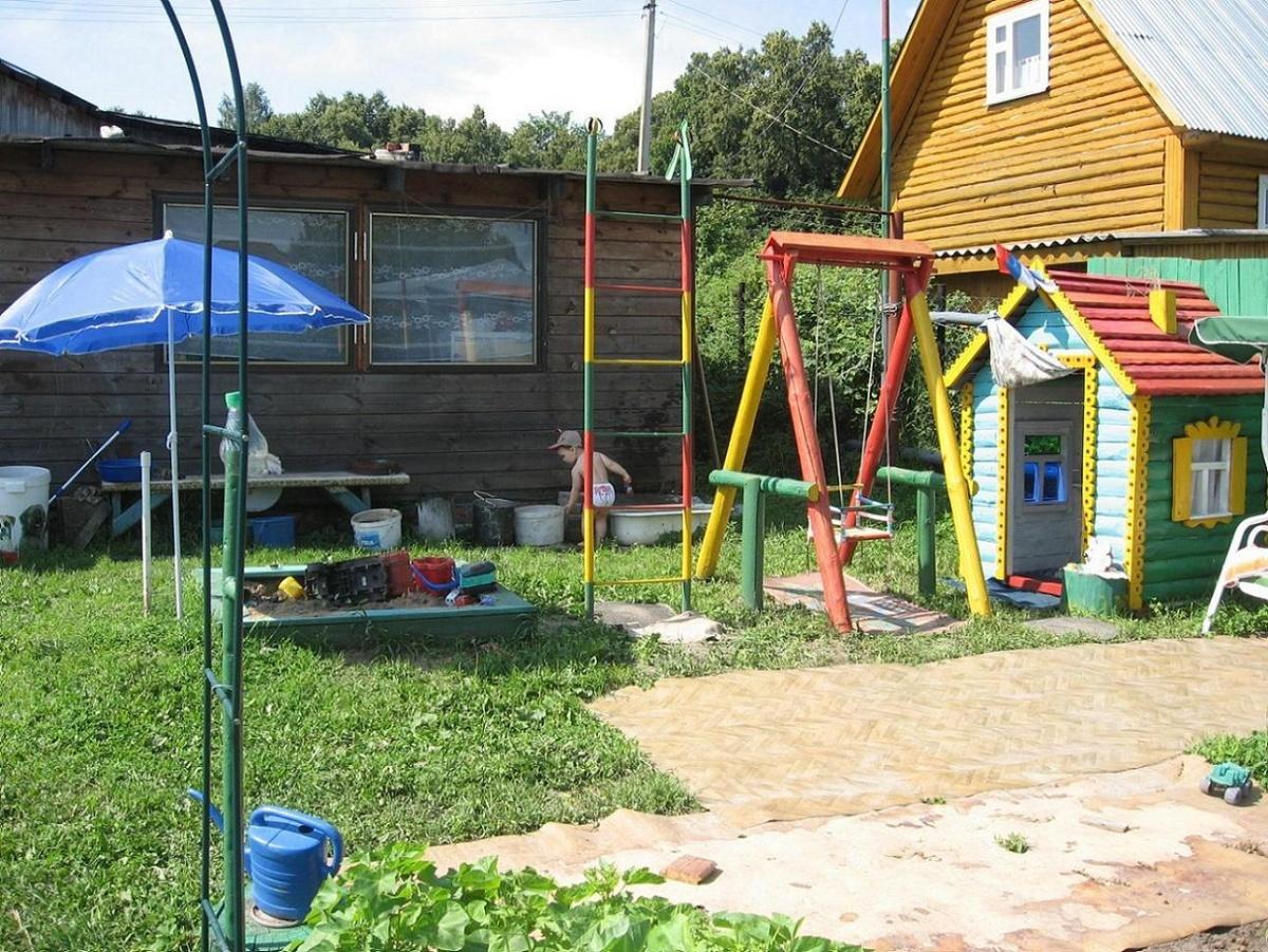 Детская площадки в саду своими руками