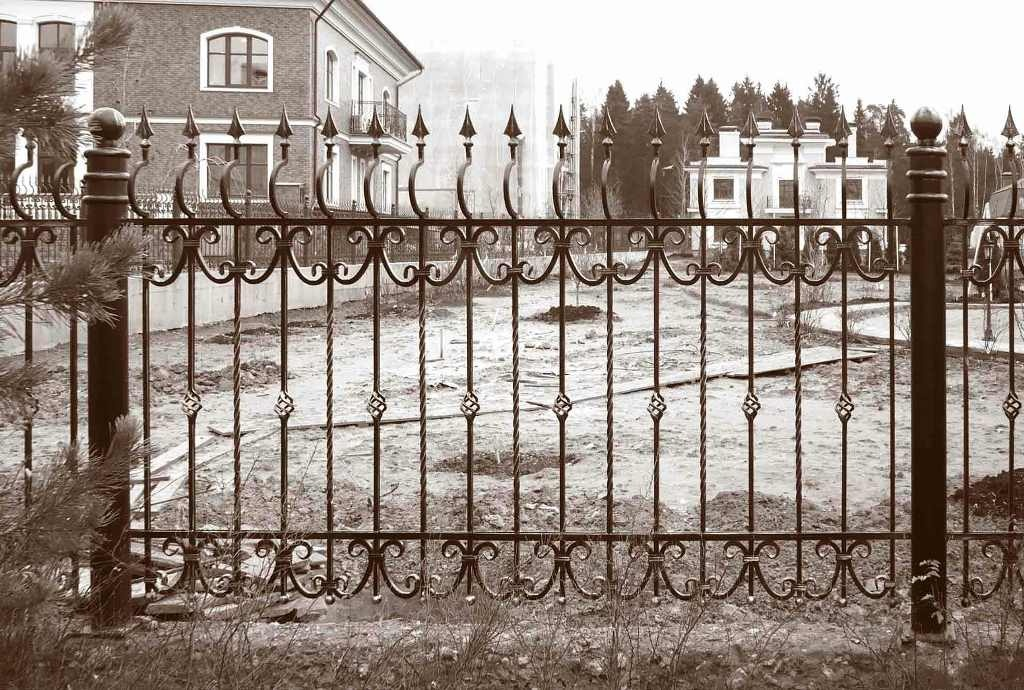 забор ограда из доски вагонки металлический лист