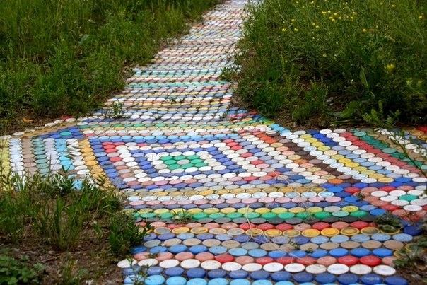 Садовые дорожки своими руками видео из пластиковых бутылок