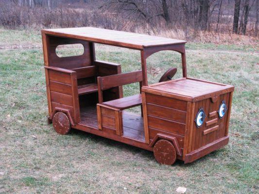 Как сделать машину из дерева для детей чтобы ездить