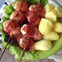 Куриные шашлычки в беконе с вареной картошечкой!