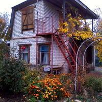 Как приукрасить и реконструировать дачный дом?
